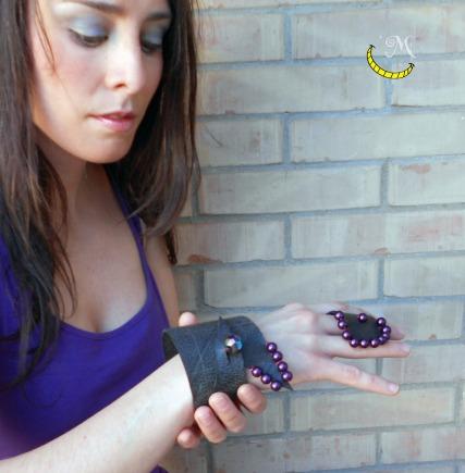 bracciale-e-anello-nero-con-perle-viola-malices-craftland