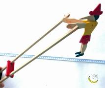 Burattino salterino - gioco storico di legno riciclato Malice's Craftland - riciclo creativo - artigianato sostenibile italiano