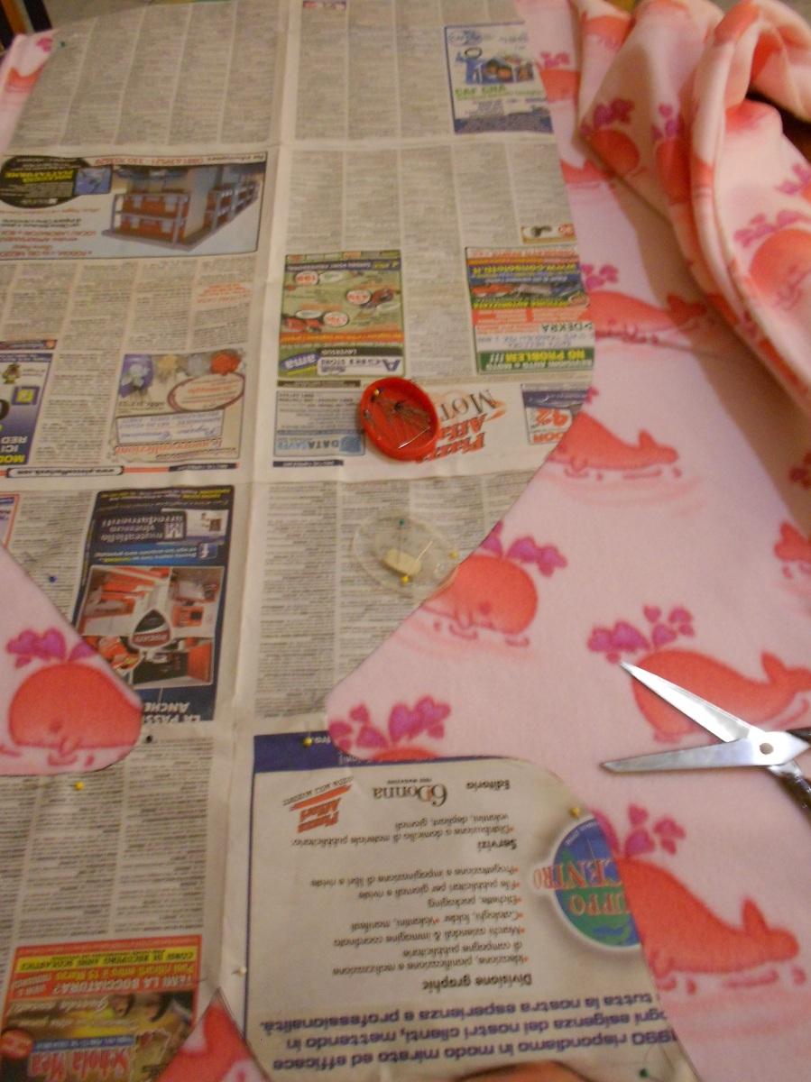 taglio del tessuto pile malices-craftland-copertina-neonata-sacco nanna - con-coda-di-sirena (o balena)