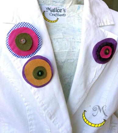 spille - pins - tessuti e bottoni riciclati - Malice's Craftland - riciclo creativo -