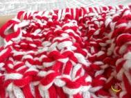 malices-craftland-hand-knitting-scaldacollo-di-lana-con-cappuccio-a-punta-05malices-craftland-hand-knitting-scaldacollo-di-lana-con-cappuccio-a-punta-05