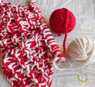 malices-craftland-hand-knitting-scaldacollo-di-lana-con-cappuccio-a-punta-tentativi-01